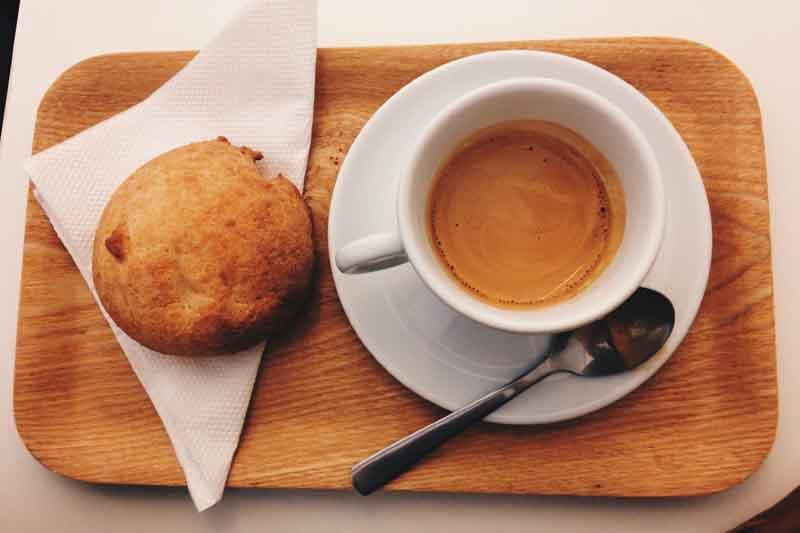 カフェと紙ナプキン